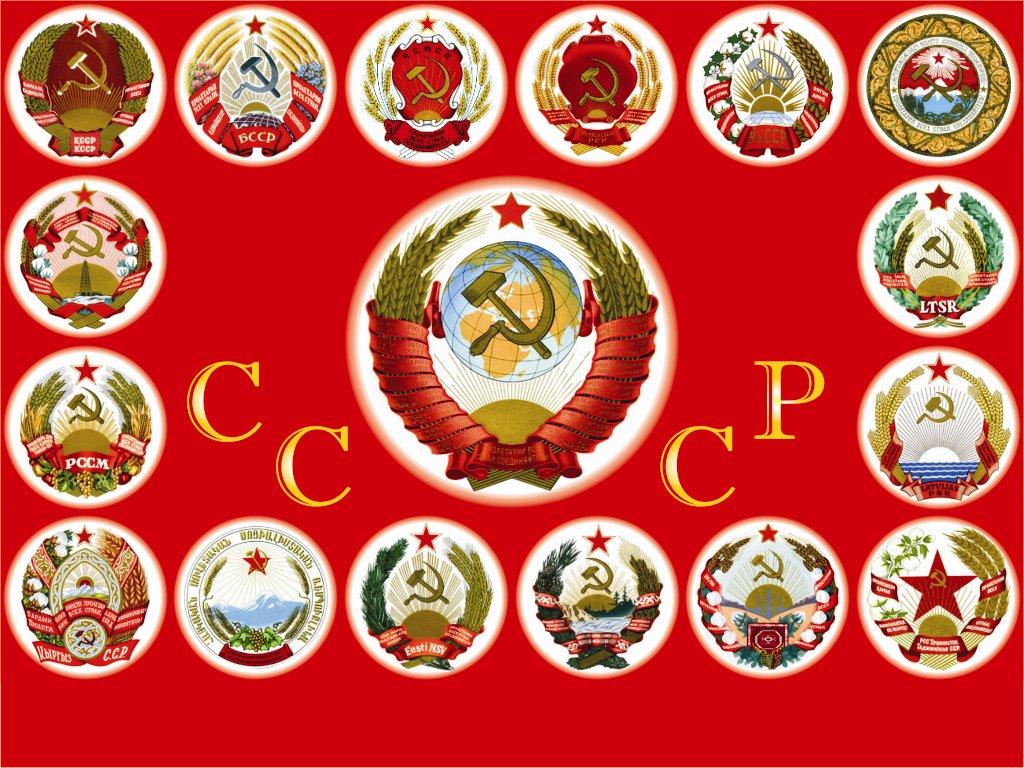 golaya-nyusha-razdvigaet